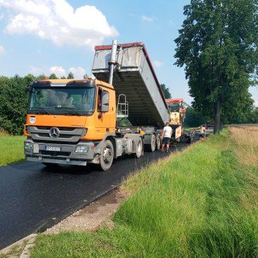 Nowa nawierzchnia na drogach powiatowych w trzech sołectwach